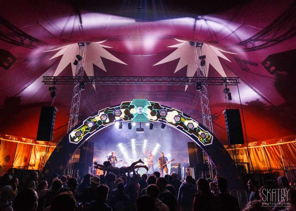 chapiteau de cirque 20M sur un festival en normandie