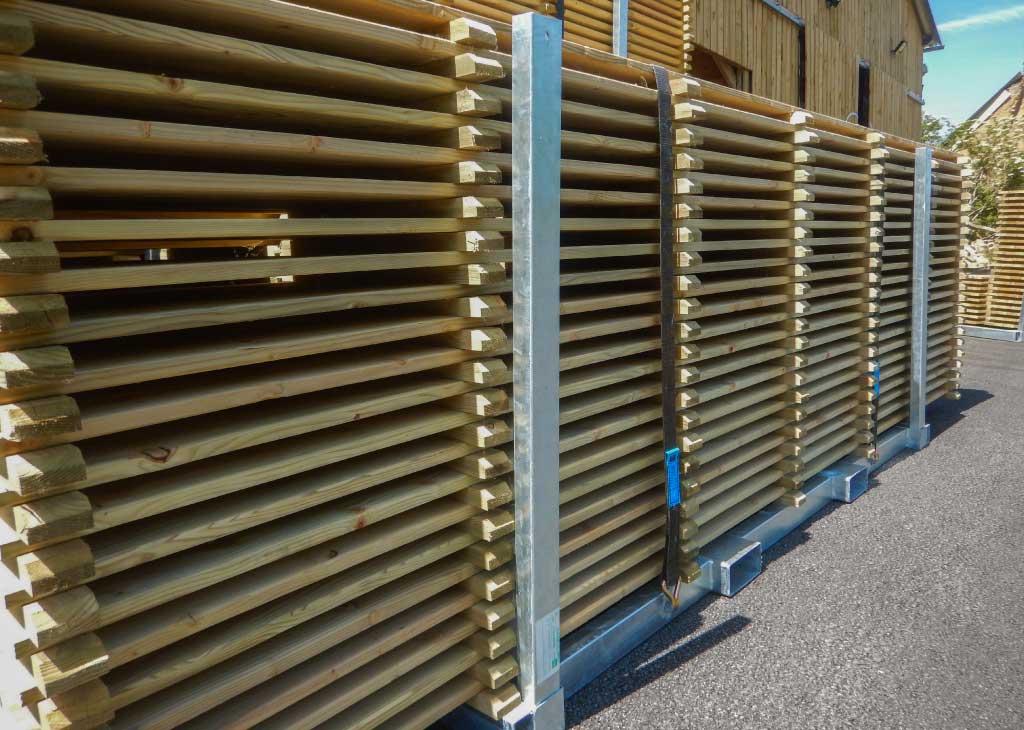 parquet ou plancher bois en rack métallique