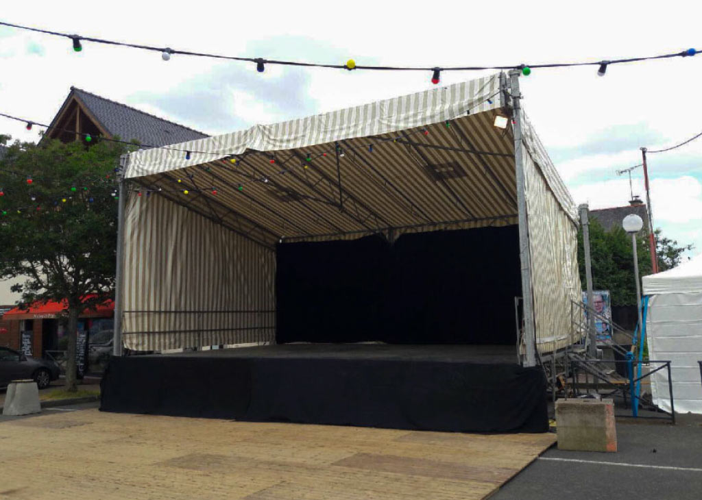 scène de concert pour un festival